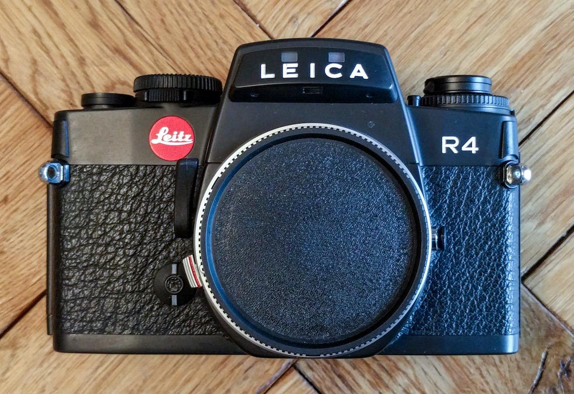 Kamera Objektivdeckel Innengriff Kunststoff 55mm blau mit Band