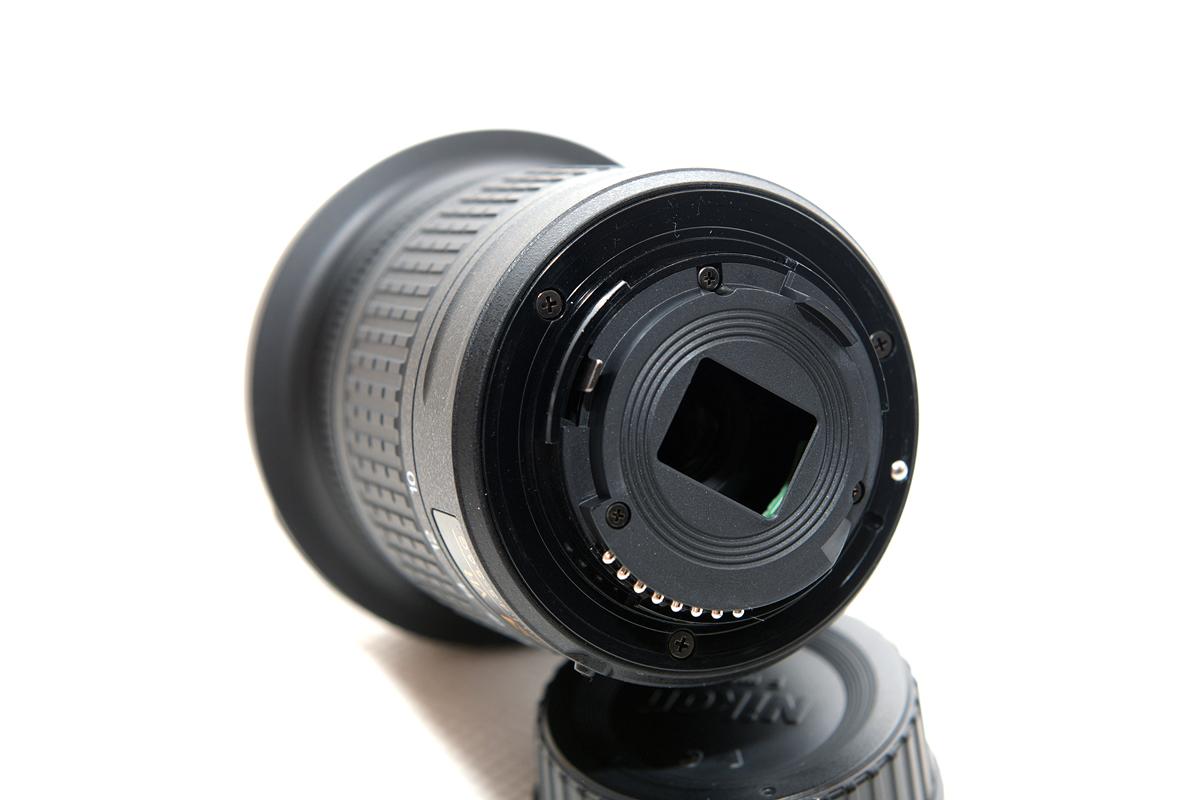 JJC Gegenlichtblende für Nikon Nikkor AF-S DX 18-55mm ähnlich wie Nikon HB-69