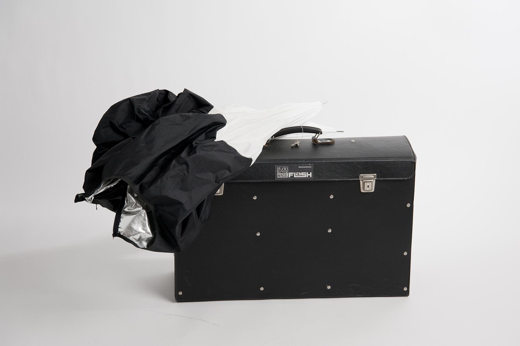 Büro & Schreibwaren Suche Nach FlüGen Messenger-bag My Bag Of Magic Tricks 38 X 33 Cm Schwarz BüGeln Nicht